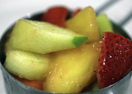 Simple Maca Fruit Salad (Picture Credit-peasncues.net)